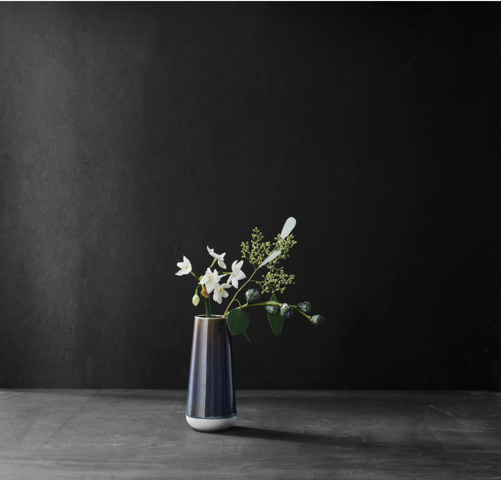 Morso glazed solitare vase