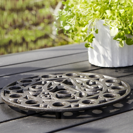 morso trivet with nac motif in the garden